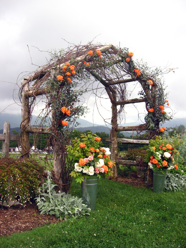 Rustic-Country-Arbor