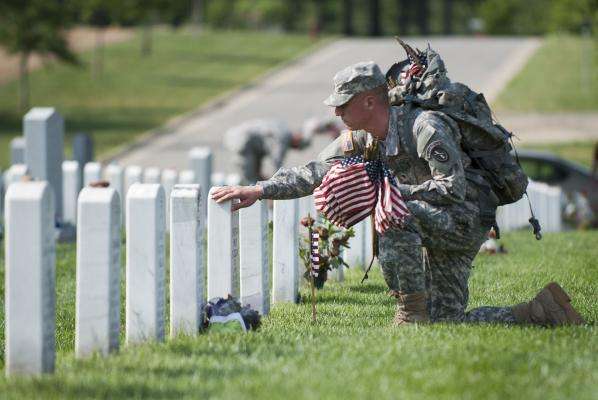 Memorial-Day-at-Arlington-National-Cemetery_1_1